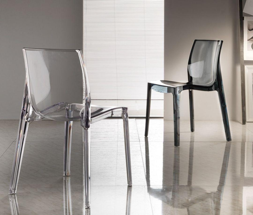 Sedia moderna di design molto leggera disponibile in for Sedia moderna design