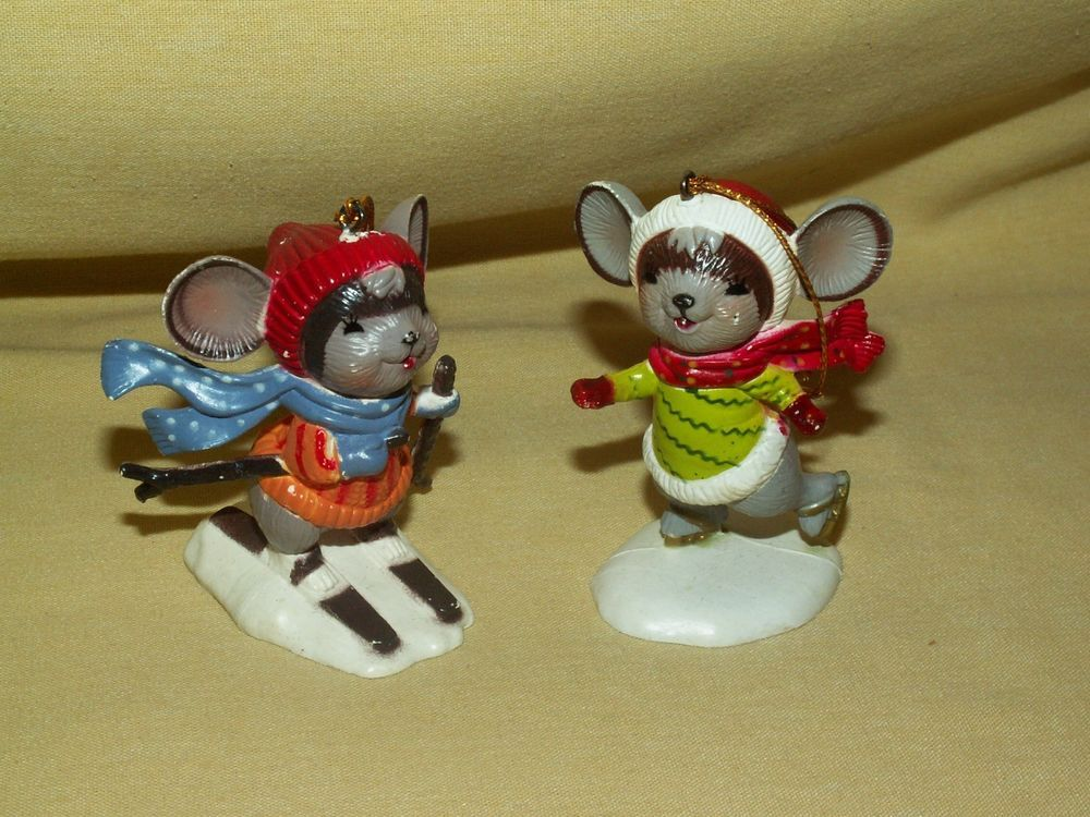 MOUSE ORNAMENT SET 2 PLASTIC UNMARKED UNDATED SKI SKIING ICE SKATING SKATER MICE