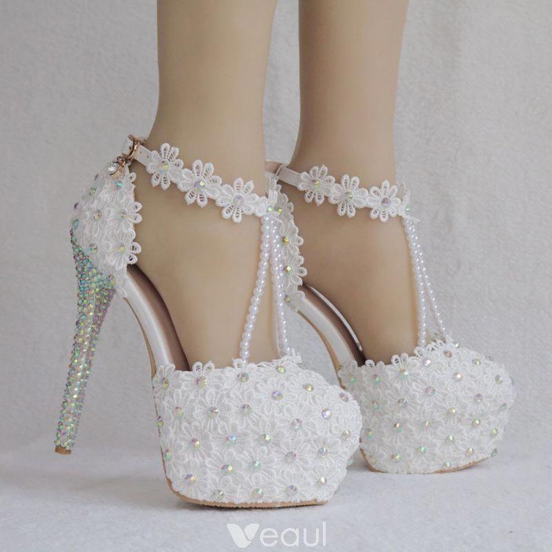 Eleganckie Biale Buty Slubne 2018 Z Koronki Kwiat Z Paskiem Perla Rhinestone 14 Cm Szpilki Okragle T Wedding Shoes Heels Wedding High Heels White Wedding Shoes