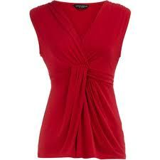 this shape -- a knot-front top. i think it would suit me well