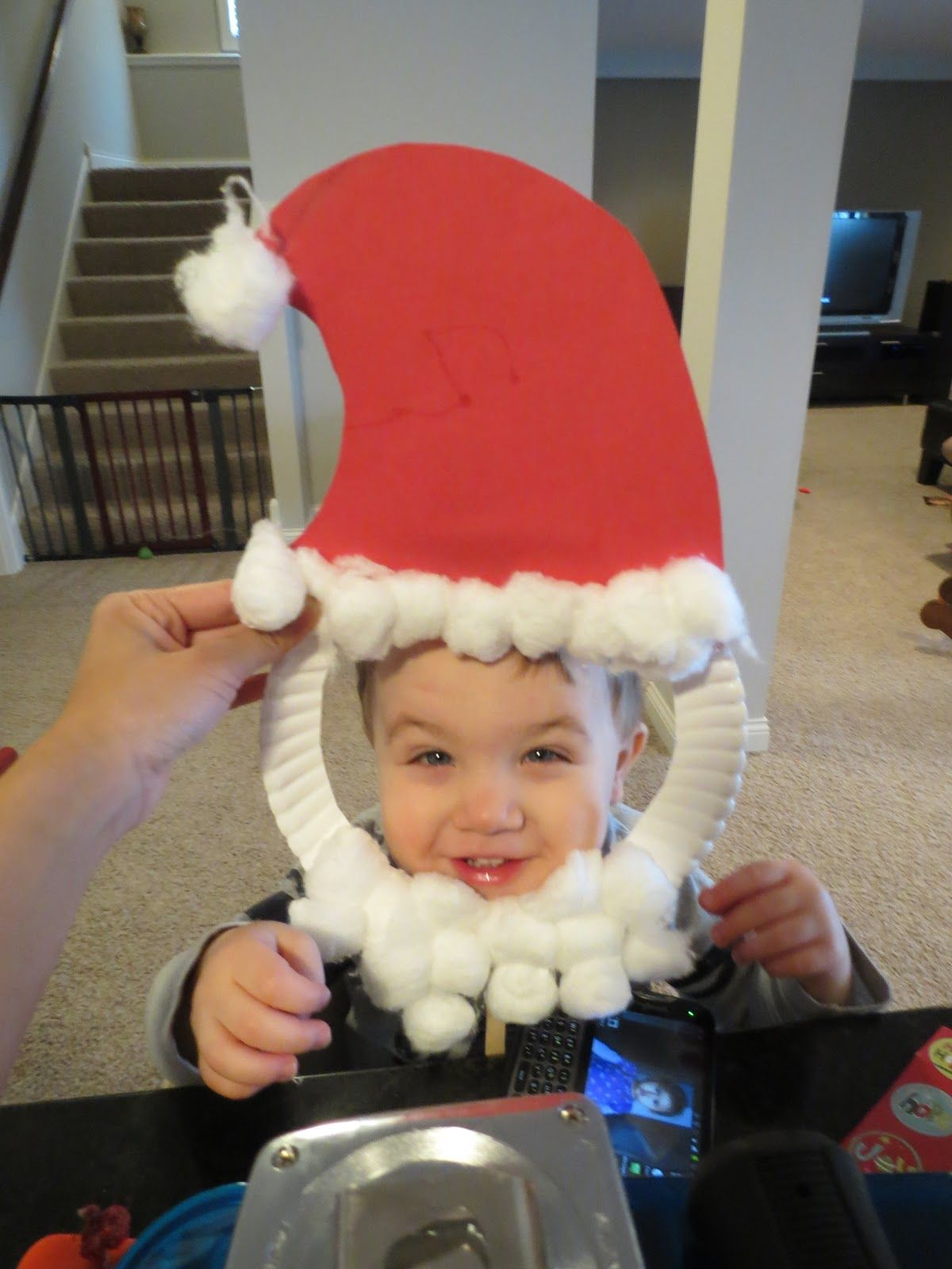 Santa mask. toddler craft.  87227d7dc9e