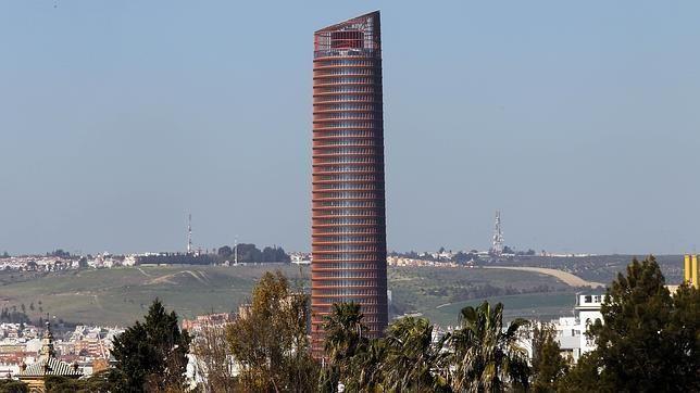 Urbanismo aprueba reformas en el entorno de la Torre Pelli de cara al Caixafórum