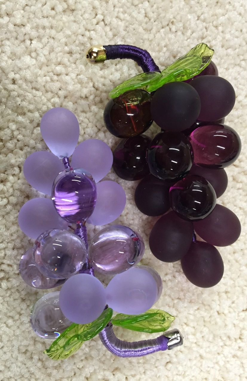 Murano Glass Grape Cluster Medium Set A Gorgeous Table Buffet Or Bar Area With These Beautiful And Whimsical Grap Murano Glass Glass Sculpture Glass Blowing