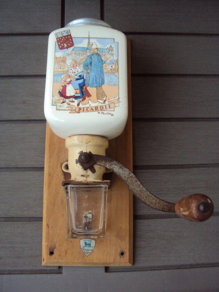 moulin caf mural peugeot fr res kaffee coffee cafe wand kaffeem hlen moulin a cafe. Black Bedroom Furniture Sets. Home Design Ideas