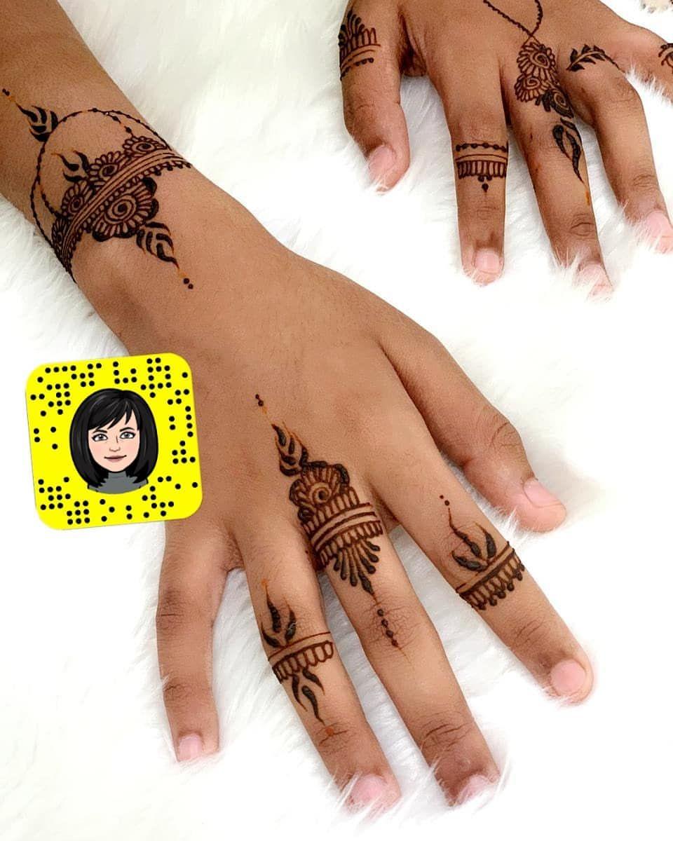 حنة عرايس جدة نقش تصوير عروسه نقاشات تلبز توصيل سناب حنايات حنايات جده نقشات Hand Henna Henna Hand Tattoo Hand Tattoos