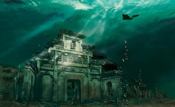 There Is An Ancient City Under A Lake In China That Is More Than 1300 Years Old Underwater City Abandoned Places Sunken City