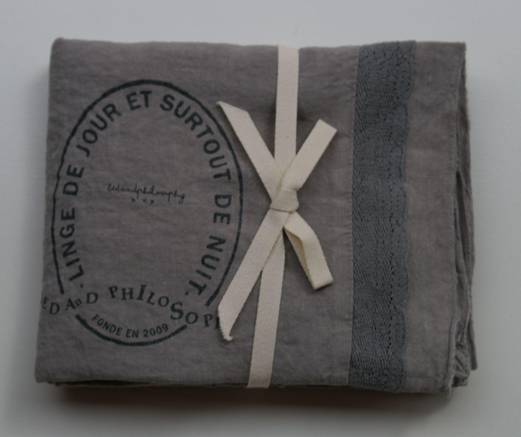 pellavatyyny pitsireunuksella ja printillä, orage (ukkosmyrskyn harmaa), 65x65cm (out of stock)