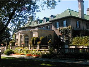 Parkwood Estate Oshawa One Of The Filming Locations Hemlock Grove