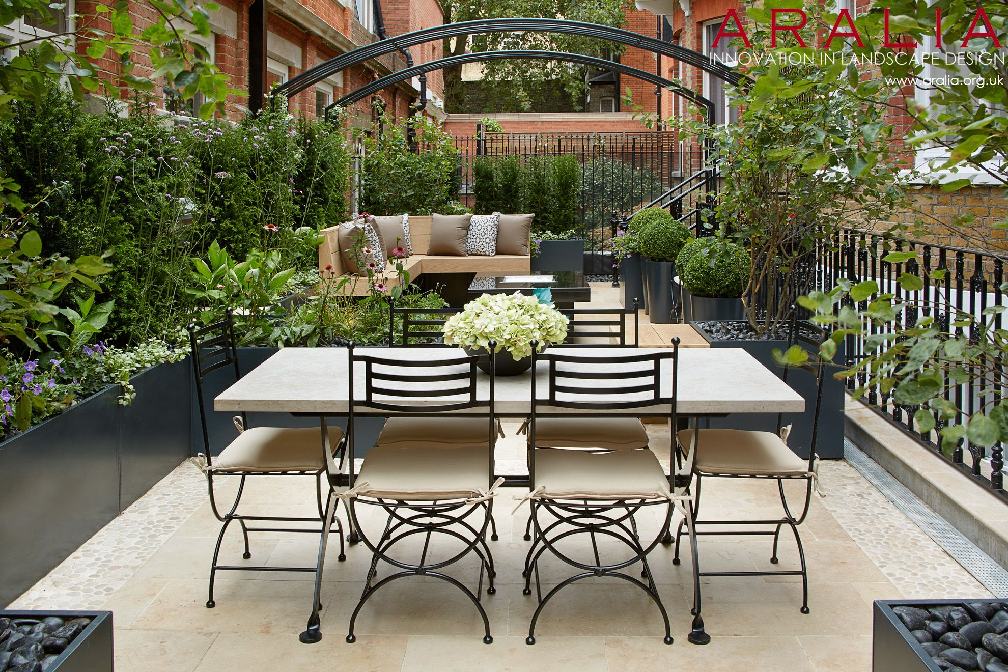 Knightsbridge Roof Terrace - Winner of the New Homes Garden Awards 2014 for  Best Roof Terrace