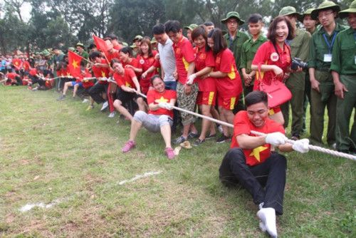 áo cờ đỏ sao vàng trường Đại Học Sư Phạm TDTT - Hình 5