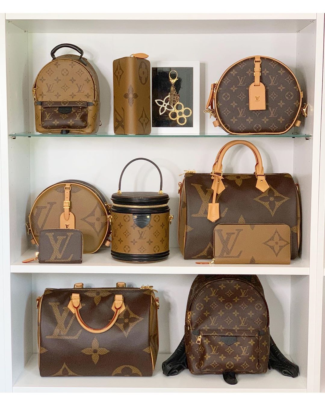 8 Louis Vuitton Reversed Monogram Bags #louisvuittonhandbags