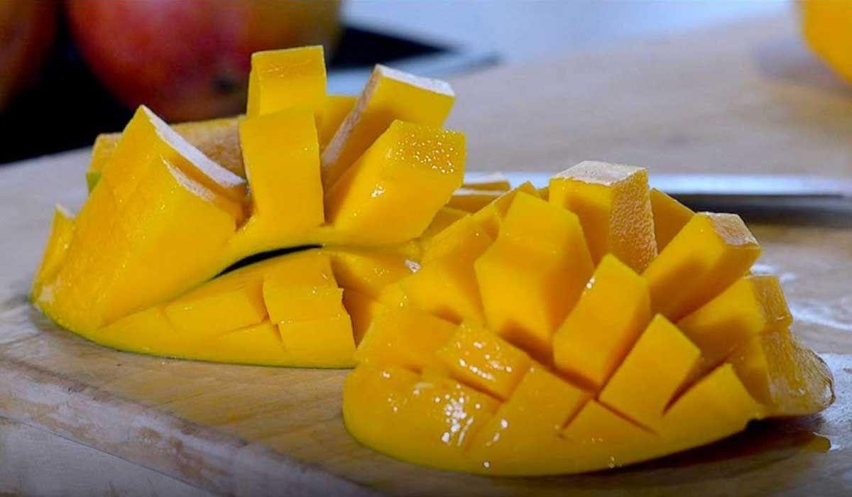 اكتشف عدد السعرات الحرارية في المانجو Mango Chef Cats Celebrity Chefs