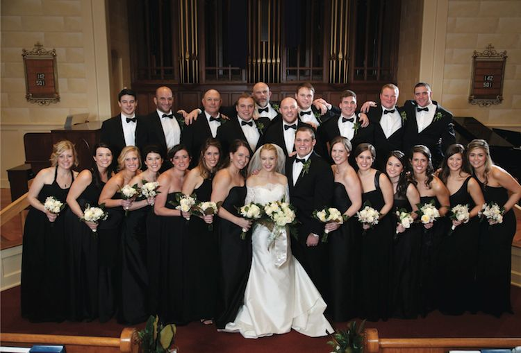 Clic Black And White For The Bridal Party See More From This Traditional Wedding With Glamorous Details Captured By Ladonnacable