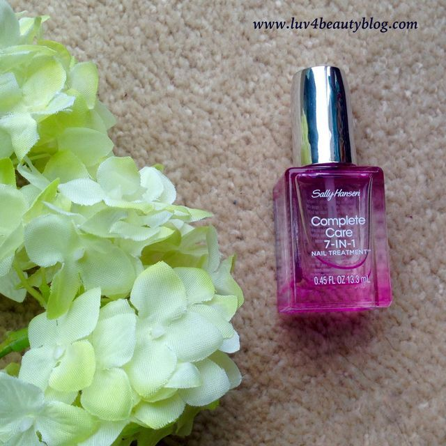 Sally Hansen Complete Care 7-in-1 Nail Treatment Review (Luv4BeautyBlog)