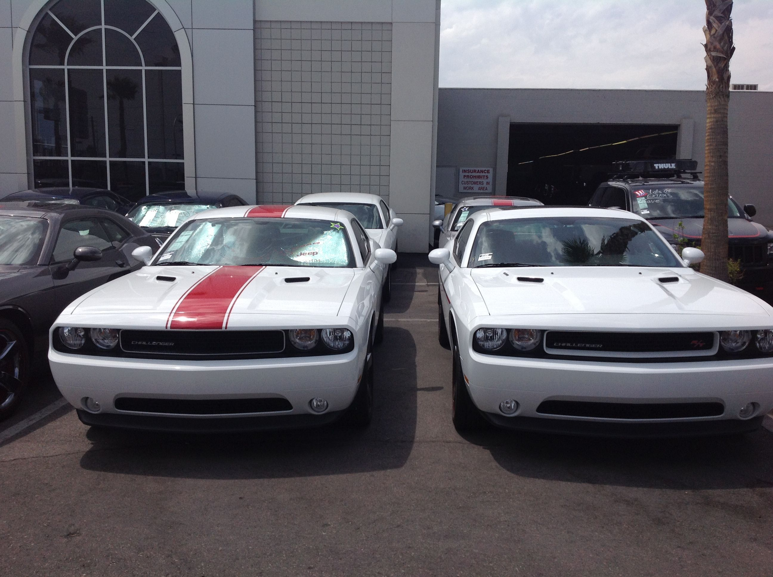 Are You A Fan Of Racing Stripes Yay Or Nay Chrysler Jeep Jeep Dodge Chrysler