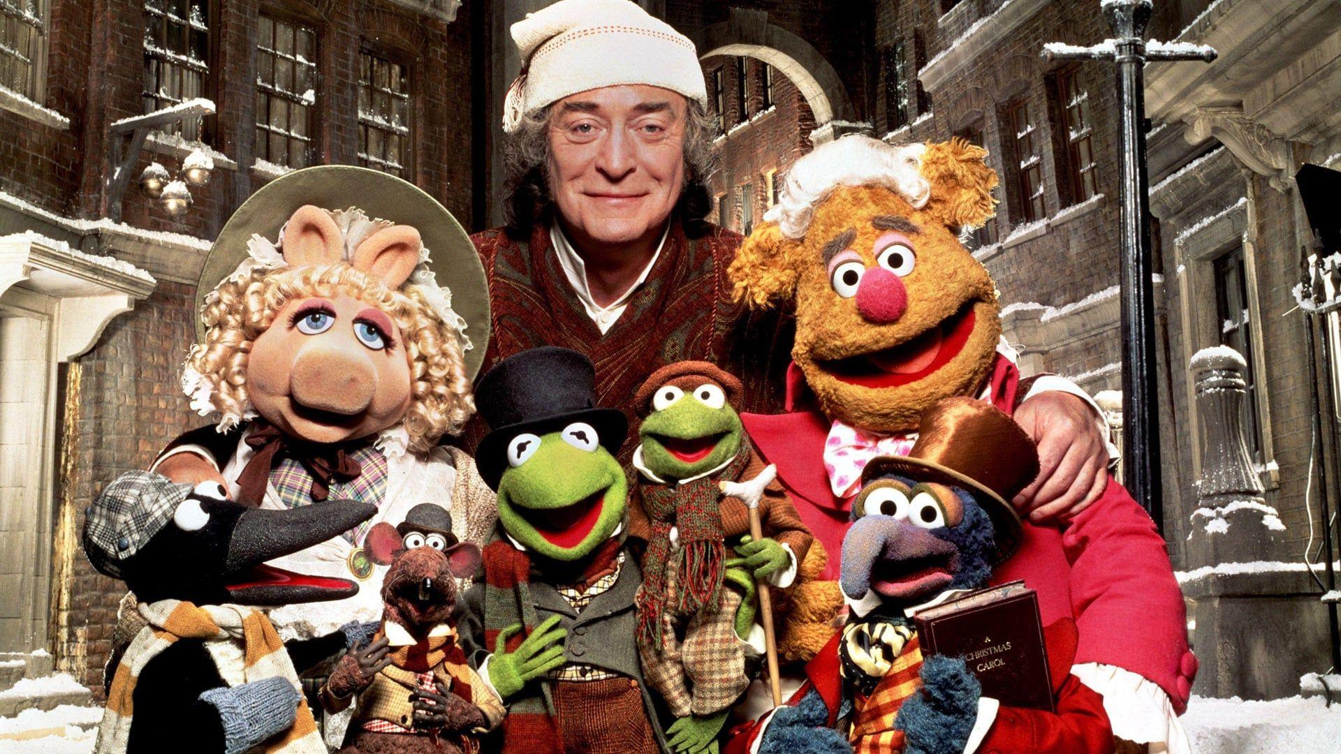 Au Cours De La Nuit Precedant Noel Un Vieillard Egoiste Et Avare Nomme Ebenezer Scrooge Rec In 2020 Muppet Christmas Carol Muppets Christmas Best Christmas Movies