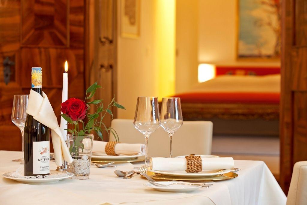 Romantic dinner table for two | Home Decor | Pinterest | Romantic ...