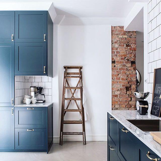 Revestimientos de cocina ladrillo visto cemento pulido m rmol baldosa y madera hoy en el - Revestimiento cemento pulido banos ...