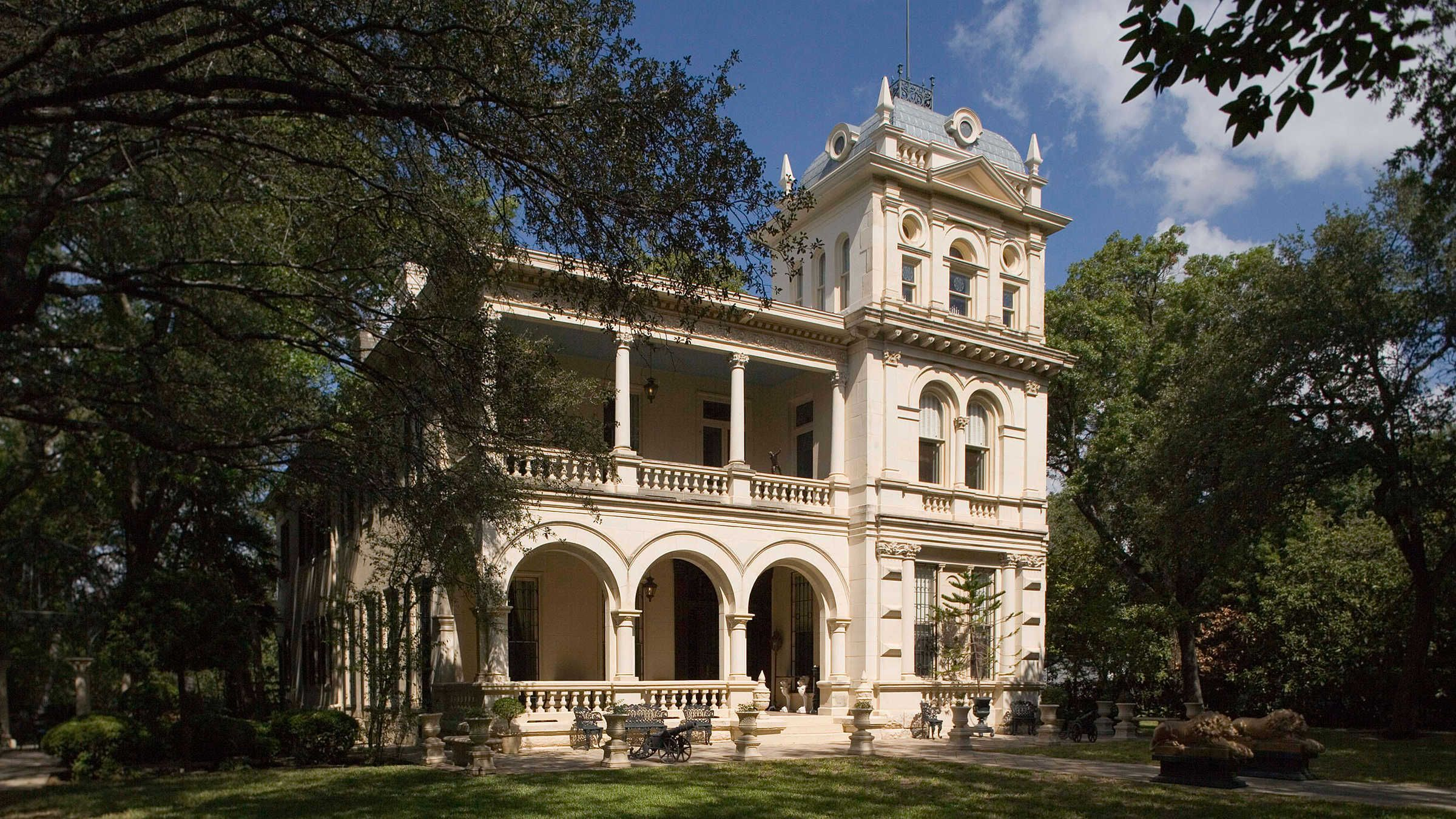 What Is Italianate Architecture Italian Mansion Mansions Historic Homes