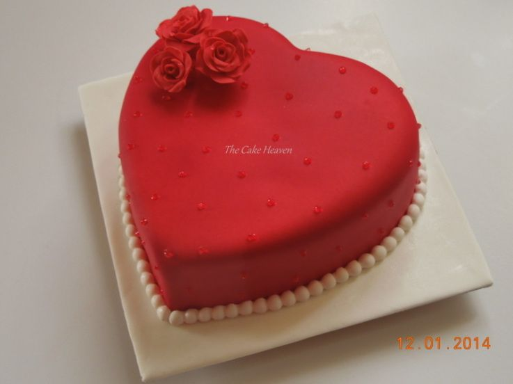 Heart Shaped Cake With Roses Fameeda M Cakeswebake Com