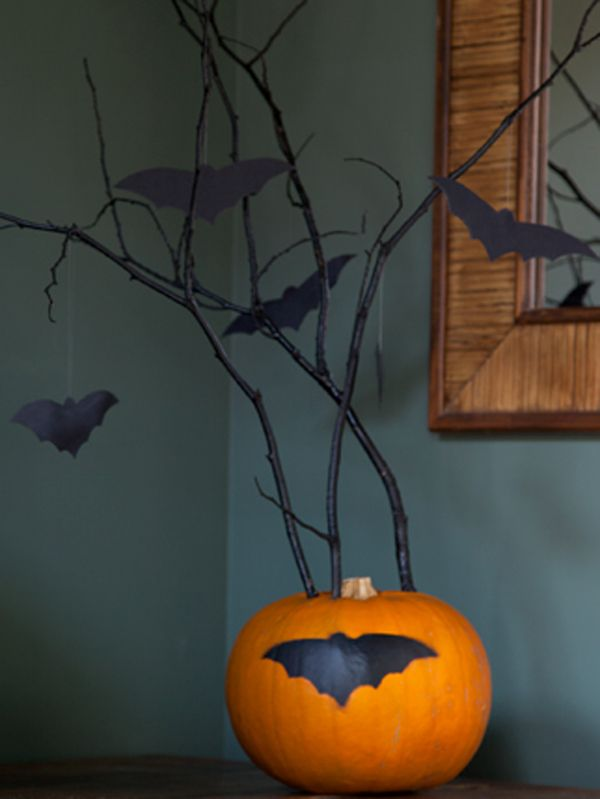 Spray Paint Some Twigs Cut Out Bats And Seal Your Pumpkin With Plastikote Sealer You Have The Perfect Table Decoration