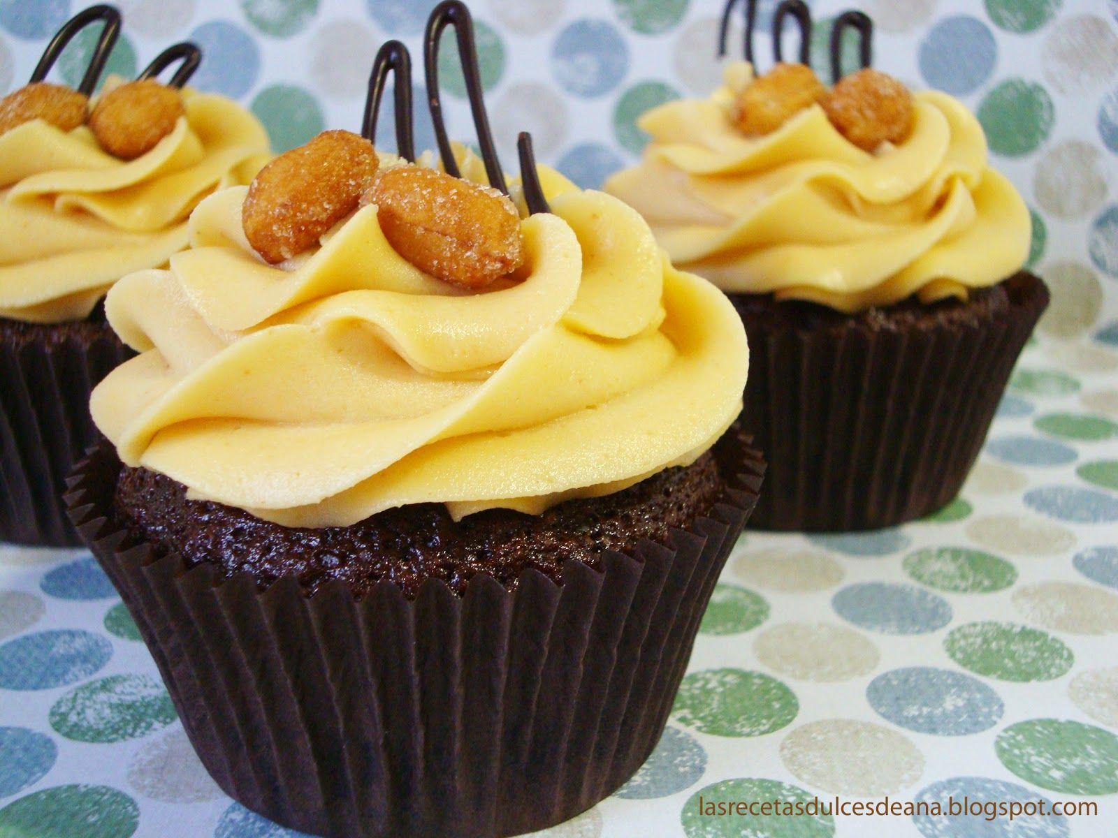 Las recetas dulces de Ana: Cupcakes de chocolate y crema de cacahuete