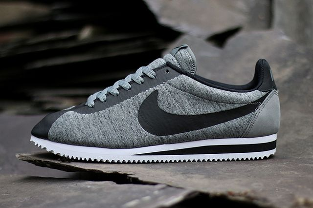 premium selection 4de90 95782 NIKE-CORTEZ-TECH-FLEECE-2