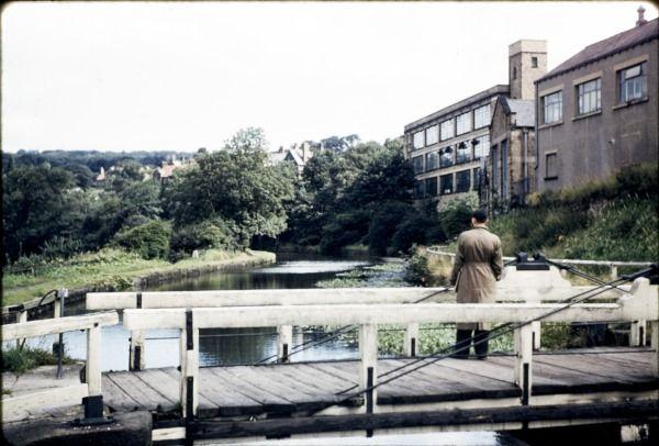 The bridge 1959 online dating