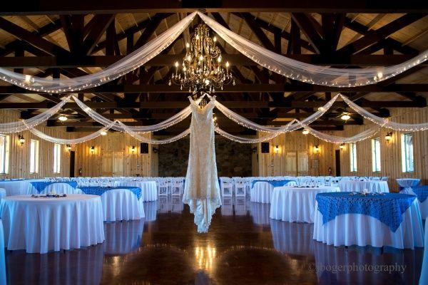 Real Wedding In Tulsa Oklahoma Andrew Kelsey Indoor Reception Wedding Real Weddings