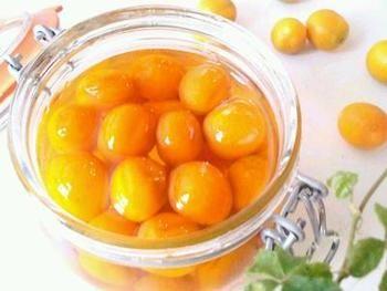 冬にぜひ常備しておきたいレシピ、金柑の蜂蜜漬け。市販の物を買うよりも今年は自分で作ってみてはいかがでしょうか。