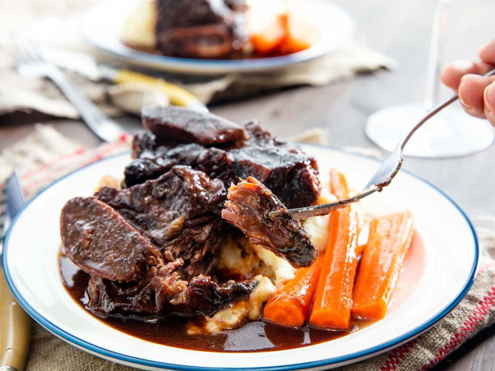These Are The Kind Of Red Wine Braised Beef Short Ribs You D Find At A Good Restaurant Meltingly Tender Meat Glazed In A Per In 2020 Braised Short Ribs Lamb Ribs Food