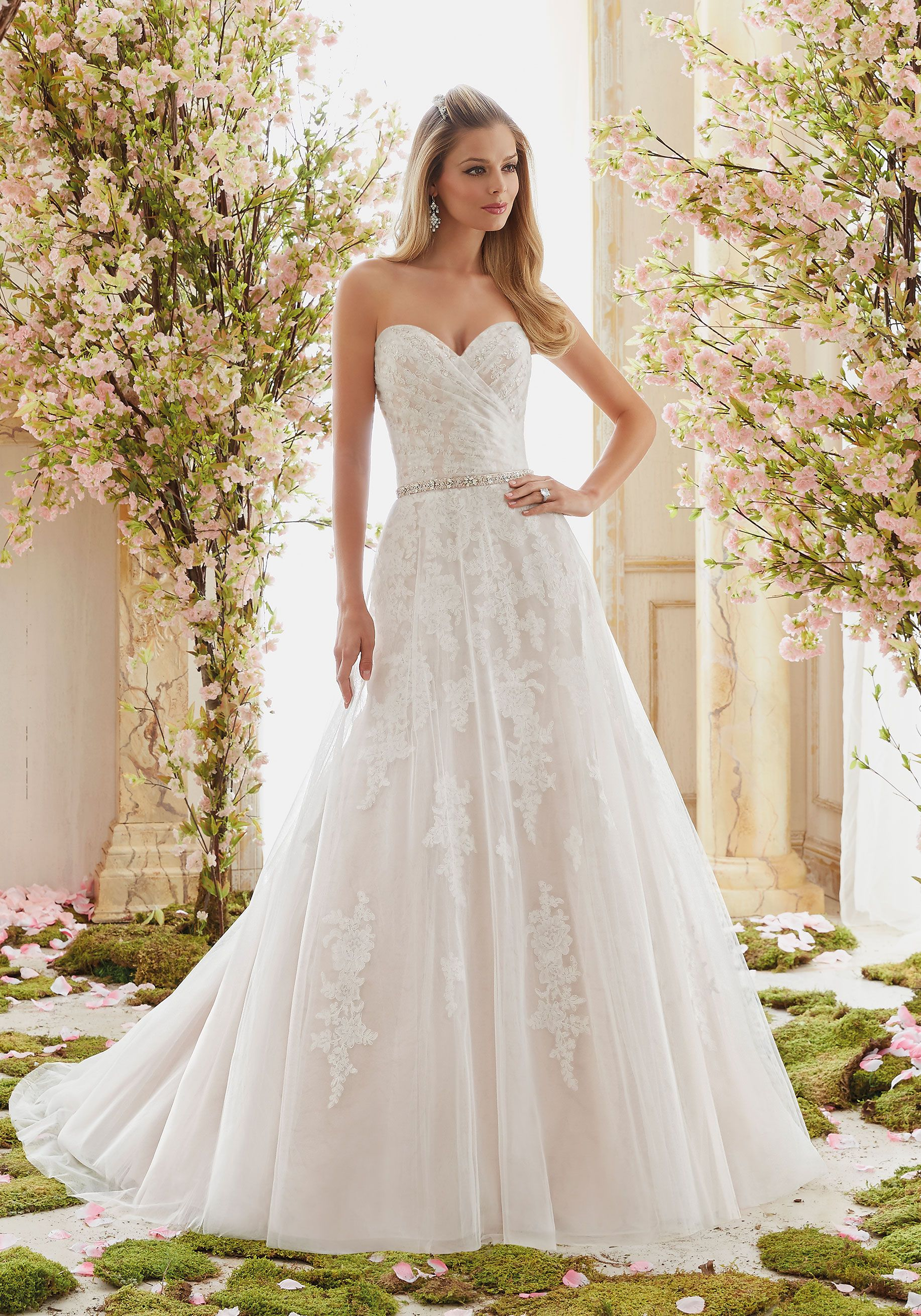 Lace dress styles for wedding  Pin by Mariée Casa de Novias on Vestidos Mariée Casa de Novias