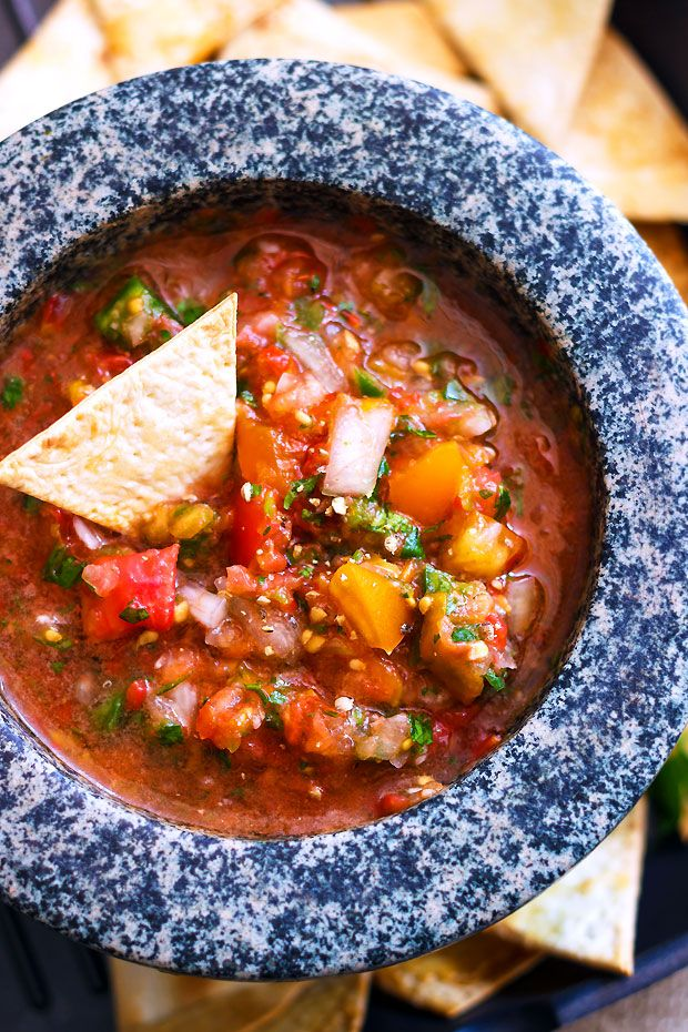 Forget the canned stuff! Make your own salsa in minutes with this fresh restaurant style recipe!