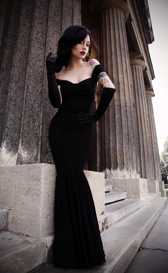 Elegant Gothic Long Black Dress