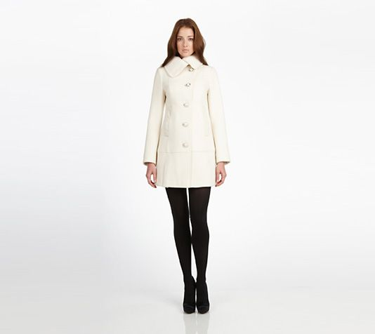 Oh to be able to keep a white coat clean... | My Style | Pinterest