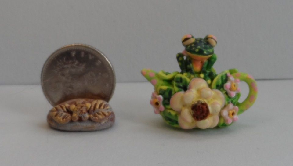 OOAK frog and flowers teapot miniature Cottage Kitty