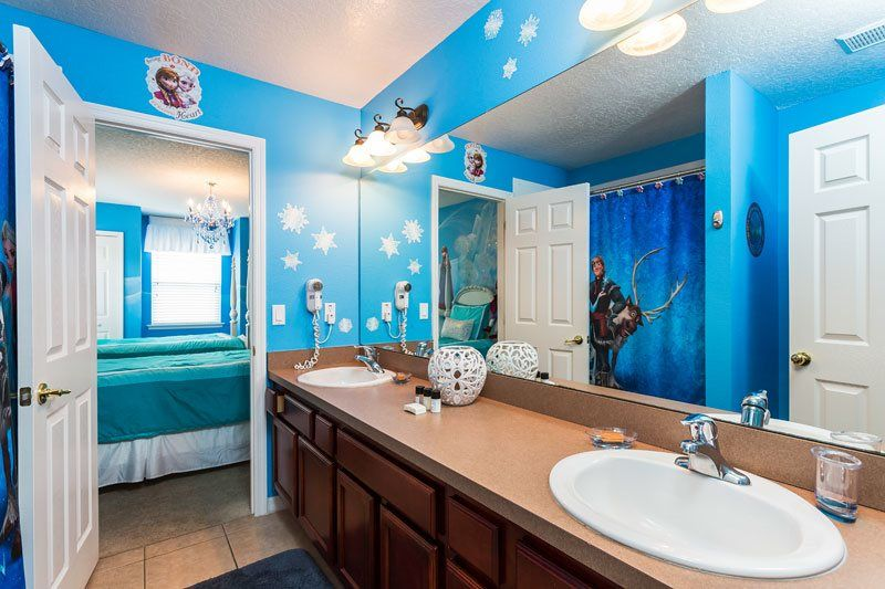 The two Frozen-themed bedrooms at 8015 Acadia Estates Ct ...