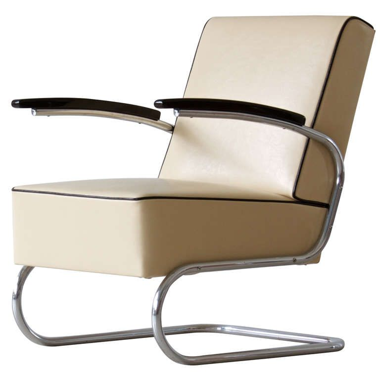 Bauhaus tubular steel lounge chair From a unique
