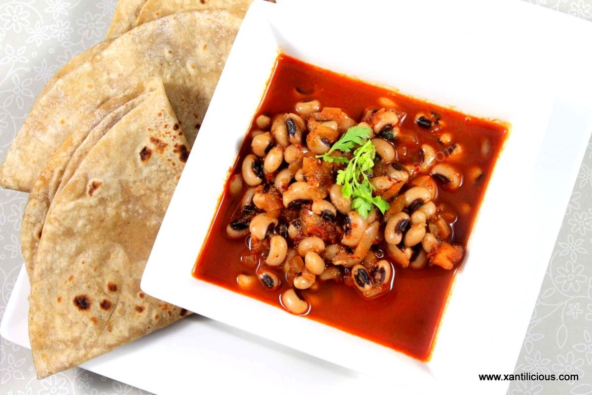Alsande tonak black eyed peas goan curry goan food recipes yet another classic goan vegetarian dish that uses roasted coconut and spices that is grounded into a paste and used to make the curry forumfinder Choice Image