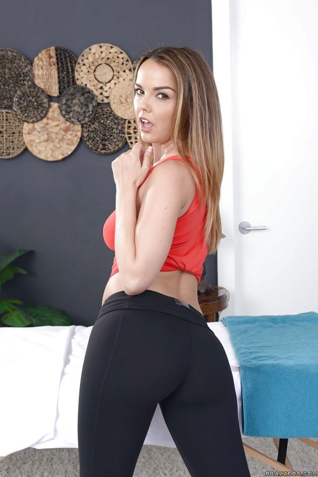 Blonde Big Tits Yoga Pants