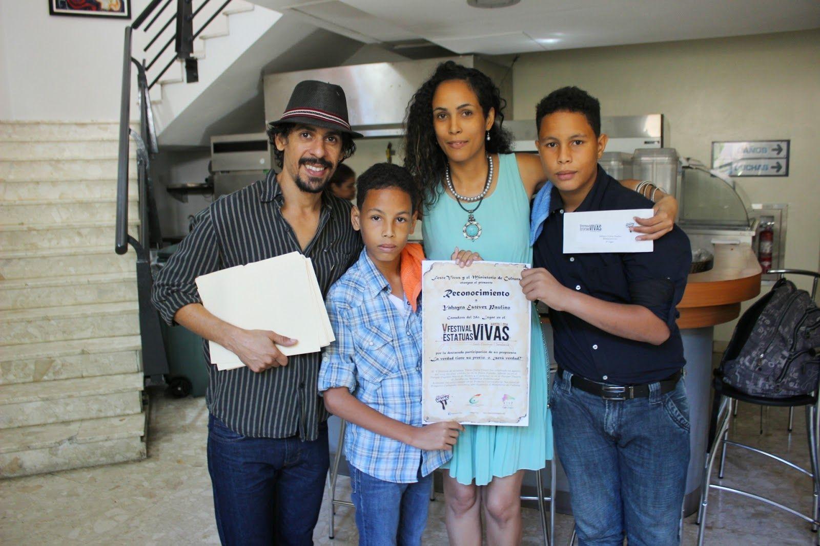 Armario de Noticias: Entregan premios a ganadores del V Festival de Est...
