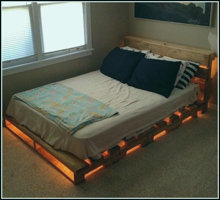 Betten Aus Paletten Exklusiv Bett Mit Beleuchtung Bett Selber Bauen Bett Selber Bauen Ideen Bett Aus Paletten Bauen