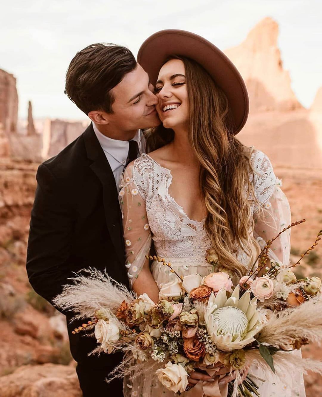 Unscripted Posing App On Instagram Prompt Idea Give Her Butterfly Kisses On Her Cheek Unscripted Posing A Wedding Dresses Lace Cute Kiss Photography Poses