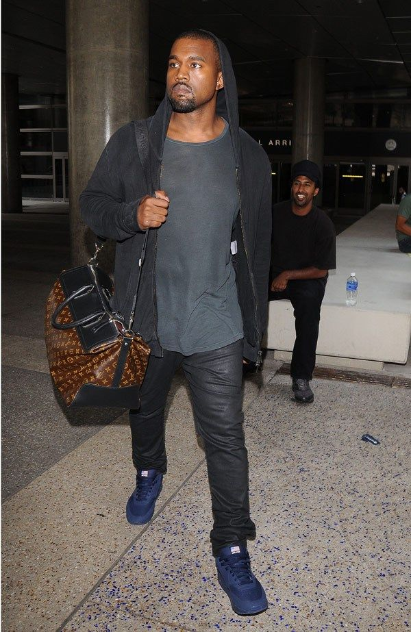 Kanye West Has Scuffle With Paparazzi Carrying Louis Vuitton Bag Wearing Balmain Hoodie And Nike Air Max Sne Louis Vuitton Bag Louis Vuitton Online Kanye West