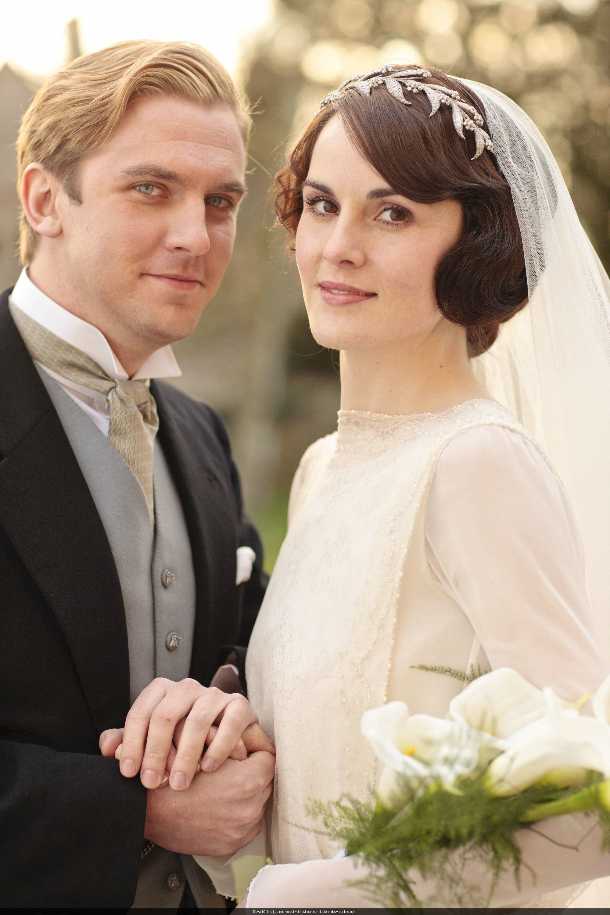 mary and matthew crawley wedding downton abbey photo