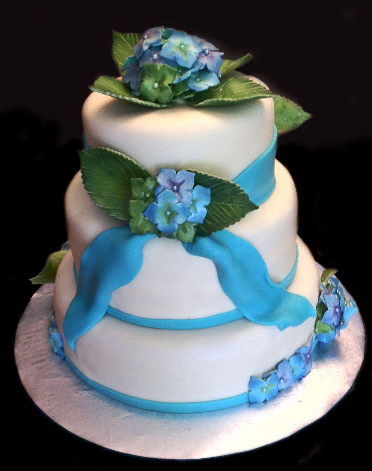 Hydrangea wedding cake | Wedding cake hydrangea, Cake ...