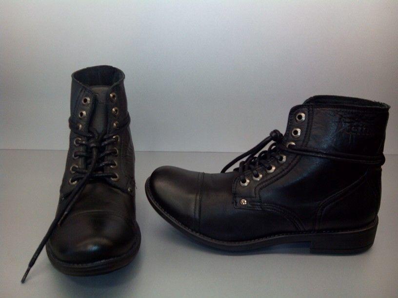 Las botas no pueden faltar en wl armario este otoño.