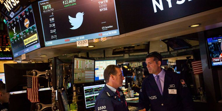 Twitter's stock plunges as user growth stalls Twitter s