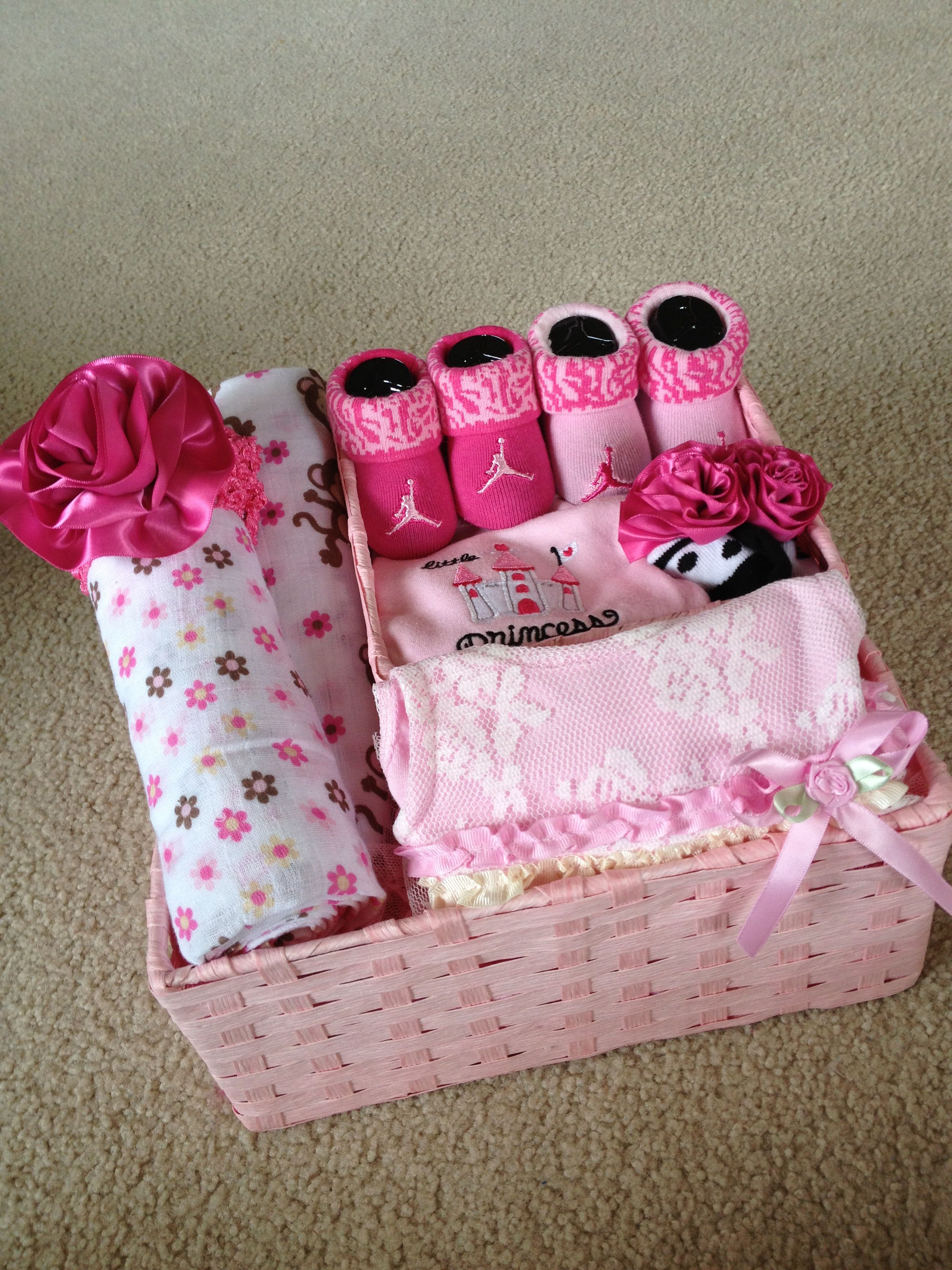 Baby Girl Gift Basket With Images Baby Girl Gift Baskets Baby