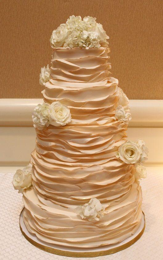 Bildresultat för ombre ruffle wedding cake